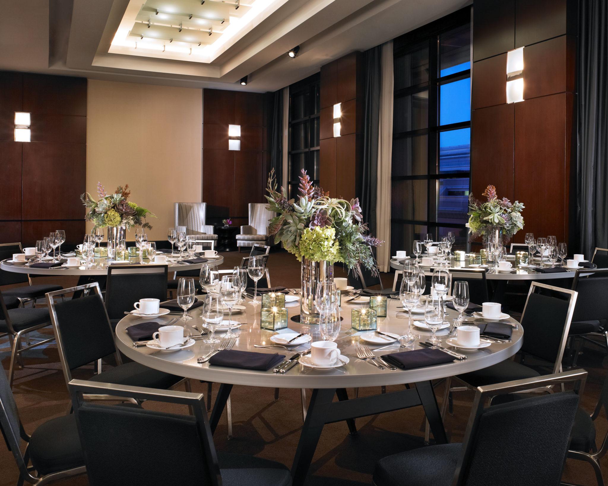 Southern Aluminum Linenless Banquet Rounds